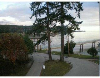 Photo 8: 301 5477 WHARF Road in Sechelt: Sechelt District Condo for sale (Sunshine Coast)  : MLS®# V611900