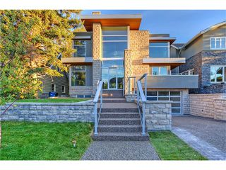Main Photo: 929 Lansdowne AV SW in Calgary: Elbow Park House for sale : MLS®# C4043729