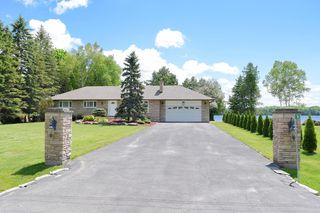 Main Photo: 54 Pinewood Blvd in Bolsover: Freehold for sale (Kawartha Lakes)  : MLS®# X3505615