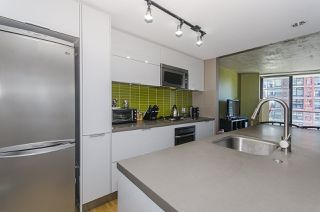 Photo 3: 2607 108 W CORDOVA STREET in Vancouver: Downtown VW Condo for sale (Vancouver West)  : MLS®# R2107865