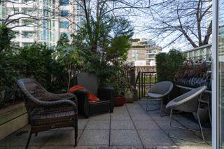 Photo 4: T25 888 BEACH AVENUE in Vancouver: Yaletown Townhouse for sale (Vancouver West)  : MLS®# R2347370