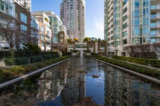 Photo 3: T25 888 BEACH AVENUE in Vancouver: Yaletown Townhouse for sale (Vancouver West)  : MLS®# R2347370