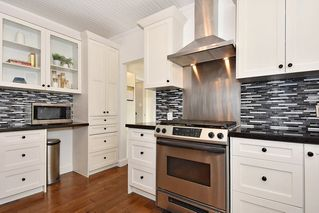 Photo 6: 3562 E GEORGIA Street in Vancouver: Renfrew VE House for sale (Vancouver East)  : MLS®# R2398131