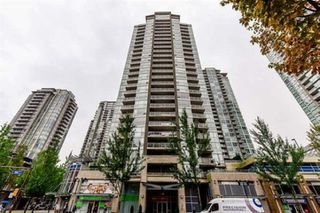 Photo 1: 903 2978 GLEN Drive in Coquitlam: North Coquitlam Condo for sale : MLS®# R2418024