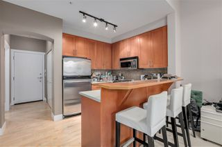 "Photo 3: 2403 4625 VALLEY Drive in Vancouver: Quilchena Condo for sale in ""ALEXANDRA HOUSE"" (Vancouver West)  : MLS®# R2419187"