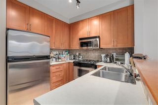 "Photo 4: 2403 4625 VALLEY Drive in Vancouver: Quilchena Condo for sale in ""ALEXANDRA HOUSE"" (Vancouver West)  : MLS®# R2419187"