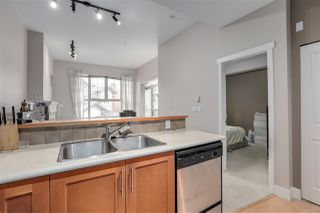 "Photo 5: 2403 4625 VALLEY Drive in Vancouver: Quilchena Condo for sale in ""ALEXANDRA HOUSE"" (Vancouver West)  : MLS®# R2419187"
