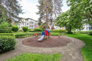 "Photo 13: 2403 4625 VALLEY Drive in Vancouver: Quilchena Condo for sale in ""ALEXANDRA HOUSE"" (Vancouver West)  : MLS®# R2419187"