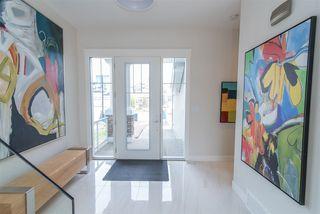 Photo 2: 2044 90 Street in Edmonton: Zone 53 House for sale : MLS®# E4195254