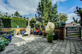 Photo 1: 101 1333 WINTER STREET: White Rock Condo for sale (South Surrey White Rock)  : MLS®# R2455165
