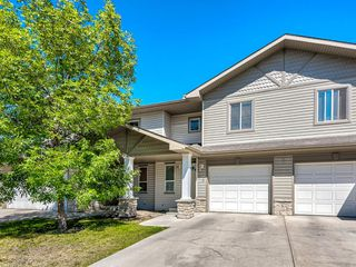 Main Photo: 76 CITADEL MEADOW Garden NW in Calgary: Citadel Row/Townhouse for sale : MLS®# A1036946