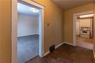 Photo 3: 402 Boyd Avenue in Winnipeg: North End Residential for sale (4A)  : MLS®# 202029662