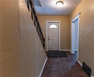 Photo 5: 402 Boyd Avenue in Winnipeg: North End Residential for sale (4A)  : MLS®# 202029662