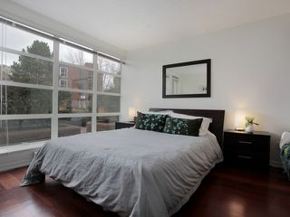"Photo 7: 207 1515 W 2ND Avenue in Vancouver: False Creek Condo for sale in ""ISLAND COVE"" (Vancouver West)  : MLS®# V952664"