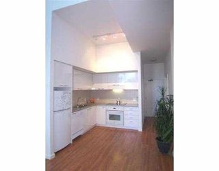 Photo 1: 118 Dunsmuir Street in Vancouver: Downtown VW Condo for sale (Vancouver West)  : MLS®# V789851