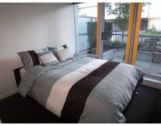 Photo 2: 118 Dunsmuir Street in Vancouver: Downtown VW Condo for sale (Vancouver West)  : MLS®# V789851