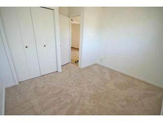 Photo 12: 29 TEMPLEMONT Drive NE in CALGARY: Temple Residential Attached for sale (Calgary)  : MLS®# C3576651