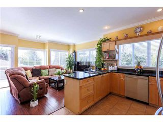 Photo 9: 638 FORBES AV in North Vancouver: Lower Lonsdale Condo for sale : MLS®# V1118672