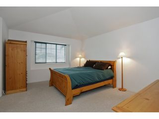 Photo 11: 6782 184 ST in Surrey: Cloverdale BC Condo for sale (Cloverdale)  : MLS®# F1437189
