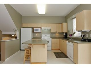 Photo 8: 6782 184 ST in Surrey: Cloverdale BC Condo for sale (Cloverdale)  : MLS®# F1437189