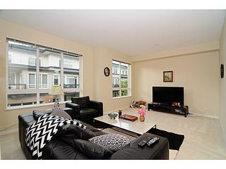 Photo 4: # 22 1125 KENSAL PL in Coquitlam: New Horizons Townhouse for sale : MLS®# V1136782