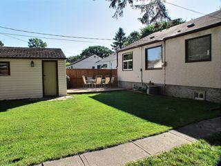 Photo 2: 51 Glenlawn Avenue in Winnipeg: Elm Park Residential for sale (South East Winnipeg)  : MLS®# 1523128
