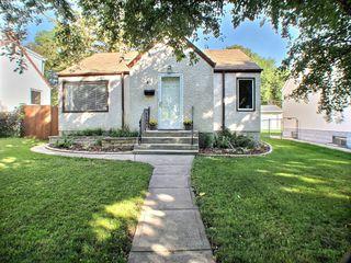 Photo 1: 51 Glenlawn Avenue in Winnipeg: Elm Park Residential for sale (South East Winnipeg)  : MLS®# 1523128