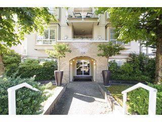 Photo 1: 101 228 E 14th Avenue in Vancouver: Main Condo for sale (Vancouver East)