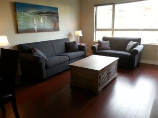 Photo 3: 208 600 KLAHANIE DRIVE in Port Moody: Port Moody Centre Condo for sale : MLS®# R2047071