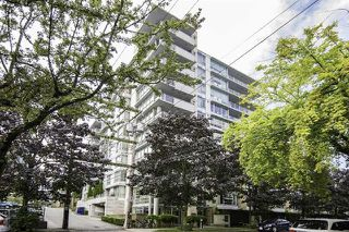 Photo 1:  in : Vancouver West Condo for sale : MLS®# R2094504