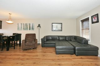 Photo 4: 6952 22 Ave SW in Edmonton: House for sale : MLS®# E4043126