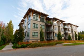 Photo 2: 201 10477 154 STREET in Surrey: Guildford Condo for sale (North Surrey)  : MLS®# R2317962