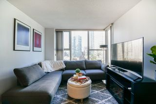 Photo 3: 908 1009 EXPO BOULEVARD in Vancouver: Yaletown Condo for sale (Vancouver West)  : MLS®# R2338055