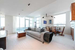Main Photo: 2702 638 BEACH CRESCENT in Vancouver: Yaletown Condo for sale (Vancouver West)  : MLS®# R2345458