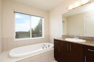 Photo 12: 912 North Hill Place in VICTORIA: La Bear Mountain Row/Townhouse for sale (Langford)  : MLS®# 415175