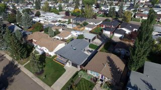Photo 3: 6304 94 Avenue in Edmonton: Zone 18 House for sale : MLS®# E4174362