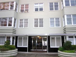 "Photo 1: 208 1565 BURNABY Street in Vancouver: West End VW Condo for sale in ""Seacrest Apartments"" (Vancouver West)  : MLS®# R2437504"