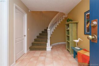 Photo 4: 1186 Foxridge Crt in VICTORIA: SE Sunnymead House for sale (Saanich East)  : MLS®# 835564