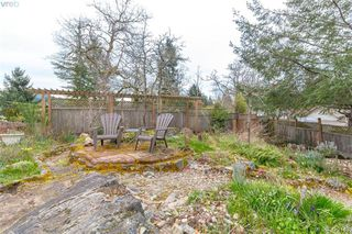 Photo 42: 1186 Foxridge Crt in VICTORIA: SE Sunnymead House for sale (Saanich East)  : MLS®# 835564