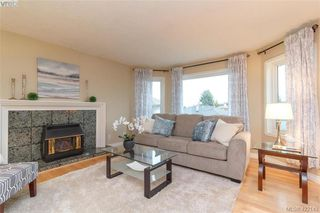 Photo 6: 1186 Foxridge Crt in VICTORIA: SE Sunnymead Single Family Detached for sale (Saanich East)  : MLS®# 835564