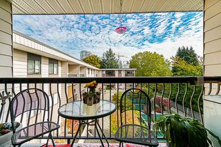 Photo 18: 317 1442 BLACKWOOD Street: White Rock Condo for sale (South Surrey White Rock)  : MLS®# R2446574