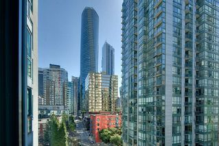 "Photo 21: 1207 1238 MELVILLE Street in Vancouver: Coal Harbour Condo for sale in ""Pointe Claire"" (Vancouver West)  : MLS®# R2494914"