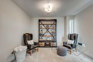 Photo 3: 420 Discovery Place SW in Calgary: Discovery Ridge Detached for sale : MLS®# A1033800