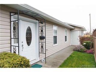 Photo 2: 97 7570 Tetayut Rd in SAANICHTON: CS Hawthorne Manufactured Home for sale (Central Saanich)  : MLS®# 636903