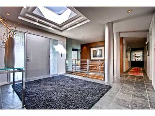 Photo 5: 4620 BRITANNIA Drive SW in CALGARY: Britannia Residential Detached Single Family for sale (Calgary)  : MLS®# C3570527