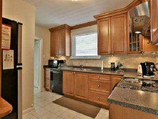 Photo 7: 6 Burncrest Avenue in Toronto: Bedford Park-Nortown House (Bungalow) for sale (Toronto C04)  : MLS®# C2692440
