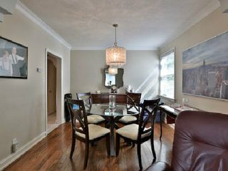 Photo 4: 6 Burncrest Avenue in Toronto: Bedford Park-Nortown House (Bungalow) for sale (Toronto C04)  : MLS®# C2692440