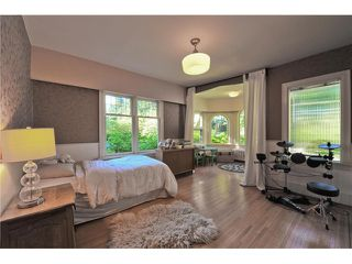 "Photo 9: 418 FIRST Street in New Westminster: Queens Park House for sale in ""QUEENS PARK"" : MLS®# V1075029"
