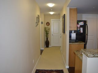 Photo 9: # 303 288 UNGLESS WY in Port Moody: North Shore Pt Moody Condo for sale : MLS®# V1119921