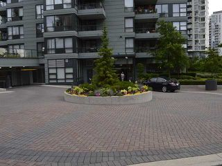 Photo 16: # 303 288 UNGLESS WY in Port Moody: North Shore Pt Moody Condo for sale : MLS®# V1119921